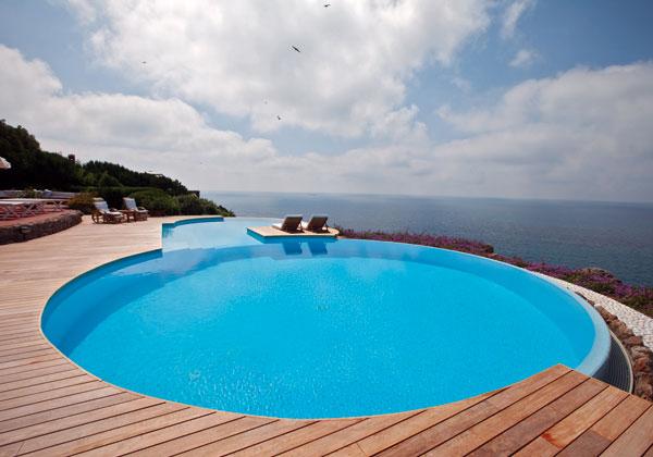 Le piscine pi originali del mondo arredosalaria - Del taglia piscine opinioni ...